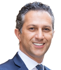 Dr. Navid Rahmani is an implantologist and oral surgeon.
